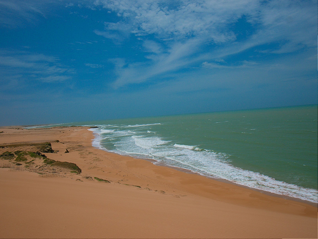 These dunes are the top tourist attractions in Punta Gallinas ... you should be here.